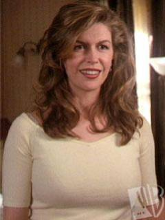 Patty Halliwell-Mom (First 3 Girls)/Finola Hughes